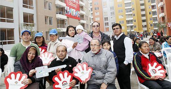 Las familias peruanas podrán acceder al bono del buen pagador (BBP) que otorga el Fondo Mivivienda mediante los nuevos mecanismos denominados alquiler-venta y leasing inmobiliario, reveló el titular del Ministerio de Vivienda, Construcción y Saneamiento (MVCS), Francisco Dumler.